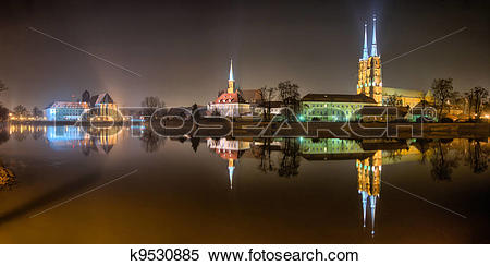 Stock Image of Ostrow Tumski in the night, Wroclaw k9530885.