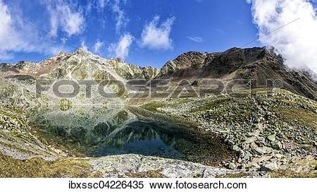 Stock Image of Geislachersee lake, Geislachkogel, Otztal, Tyrol.