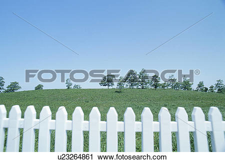 Stock Photography of A White Fence And A Plateau u23264861.