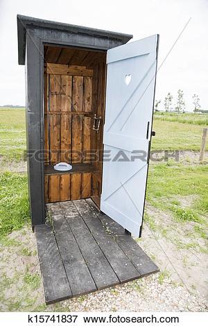 Picture of outdoor toilet k15741837.