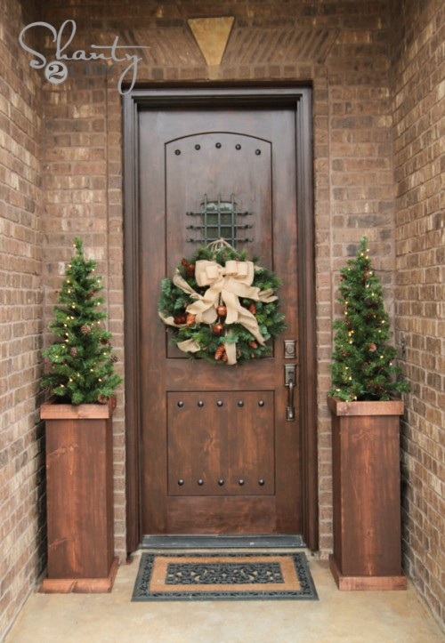 27 DIY Outdoor Christmas Decorations to Light Up Your Home.