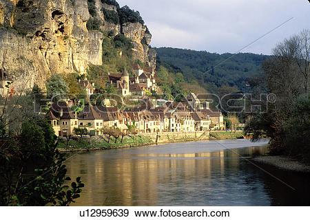 Stock Photograph of France, Perigord, Dordogne, La Roque Gageac.