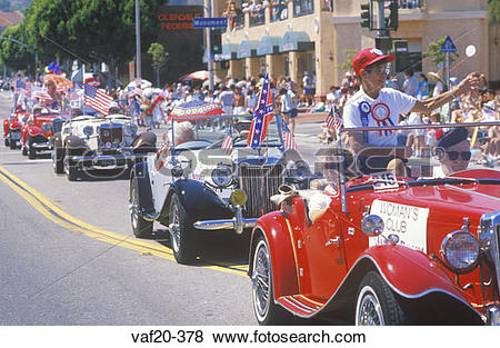Pictures of Antique Cars in July 4th Parade, Pacific Palisades.