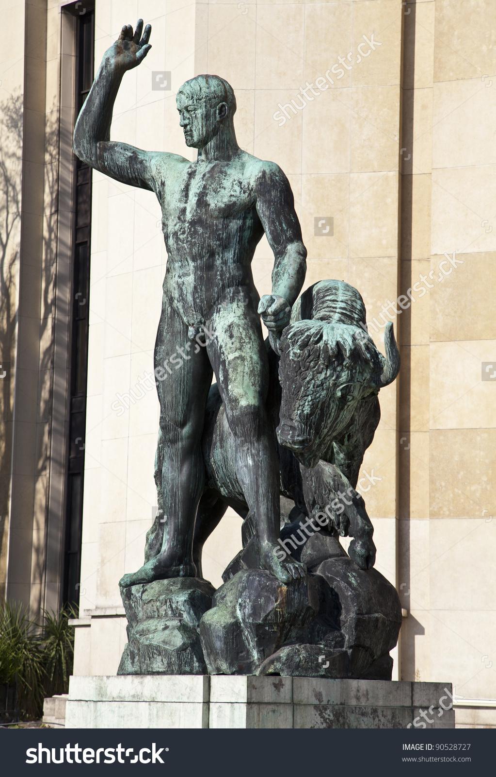 Sculpture Of (Hercules) Heracles At Trocadero (Palais De Chaillot.