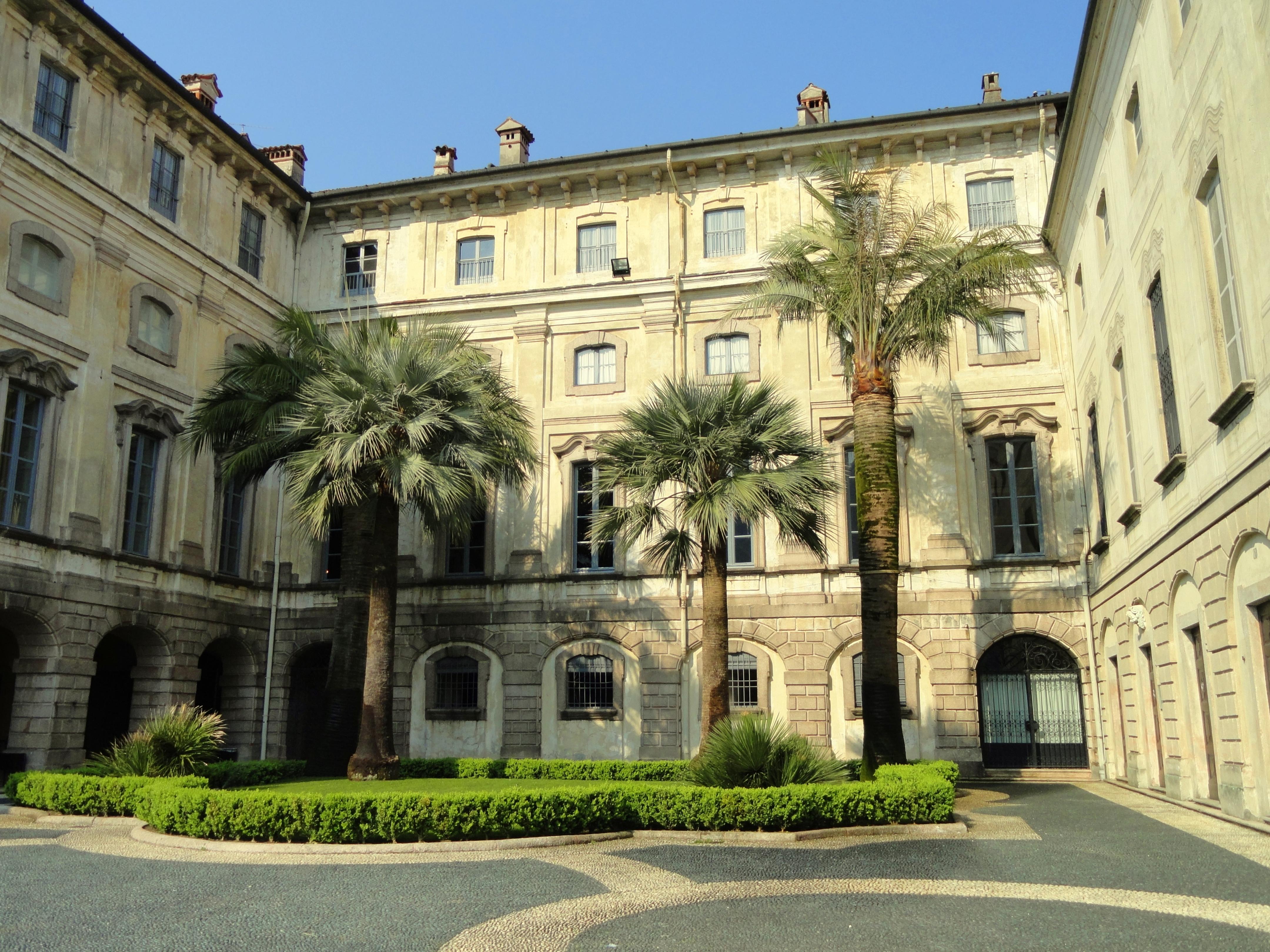 File:Palazzo Borromeo (Isola Bella).