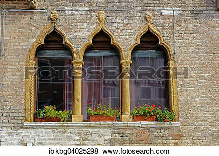 "Pictures of ""Palladian windows with Moorish influence, Castello."