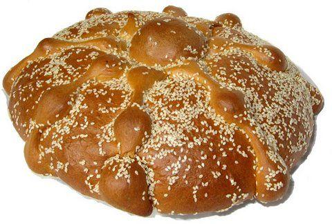 Pan de Muerto con Ajonjoli.