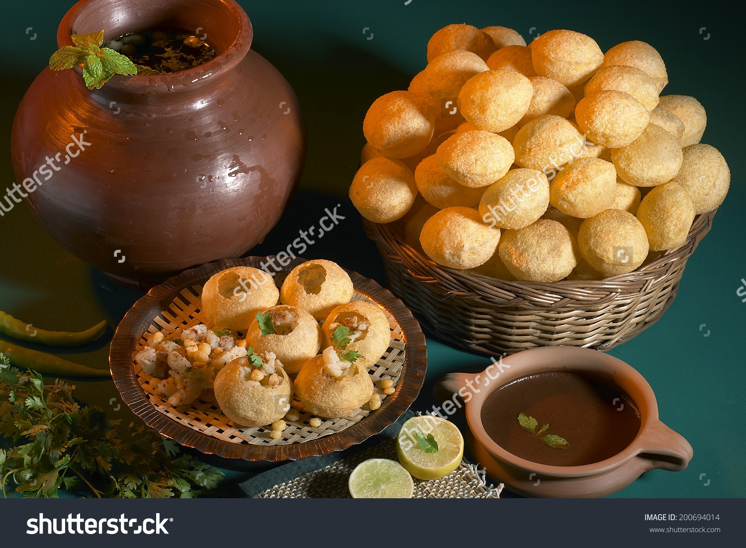 Pani Puri Golgappe Chat Item India Stock Photo 200694014.