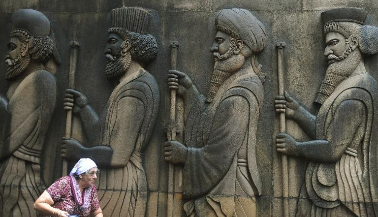 Parsis confront threat to existence at Mumbai gathering.
