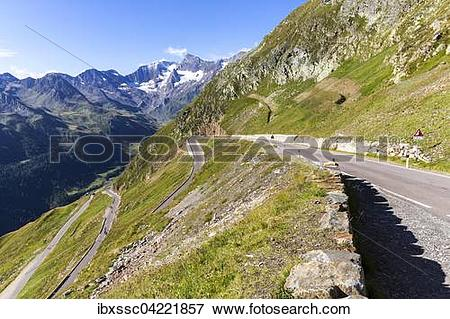 Picture of Mountain pass road, mountain pass Timmelsjoch (Passo.