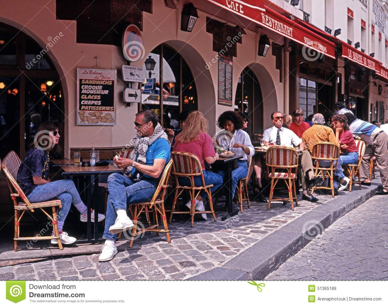 Pavement Cafe, Paris. Editorial Stock Image.