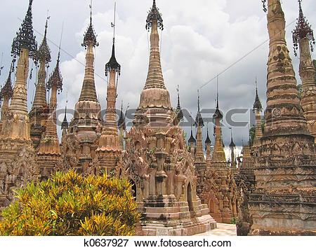 Picture of Stupas forest of the Paya Kyaukhpyugyi, Kakku, Myanmar.