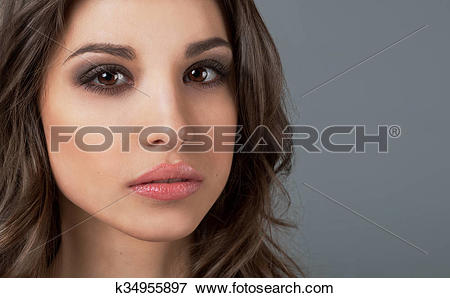 Picture of penetrating glance of a beautiful young girl. luxury.