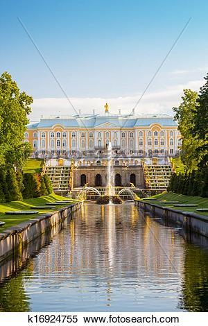 Stock Image of The Peterhof Grand Palace k16924755.