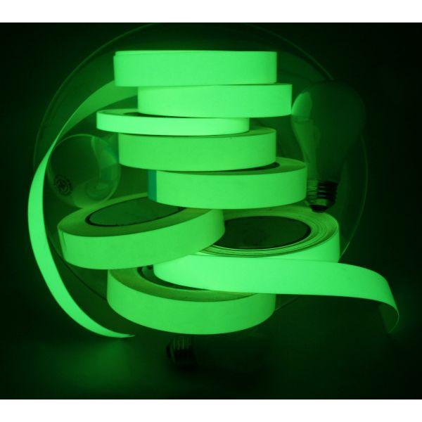 Phosphoreszierende leuchtende Band Film leuchtet im Dunkeln Foto.