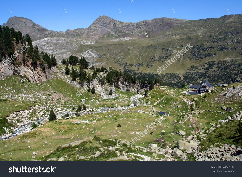 Renclusa Mountain House, Pico De Aneto, Pyrenees, Spain Stock.