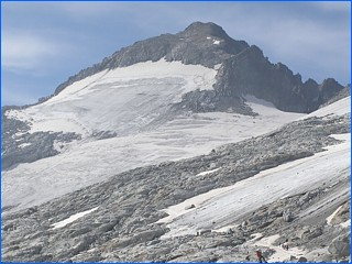 highest Pyrenees mountain peaks Pico de Aneto Monte Perdido.