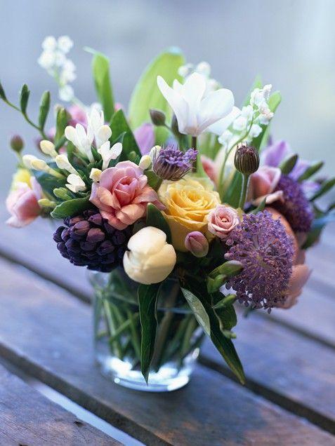 25+ best ideas about Cheap Flower Arrangements on Pinterest.