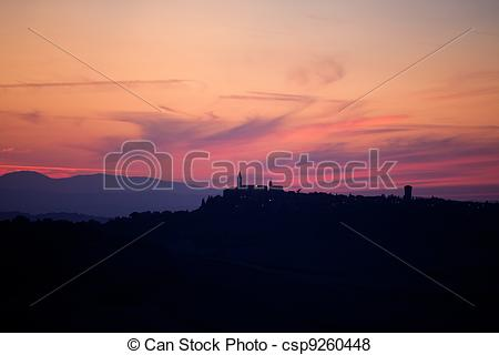 Pictures of sunset with a view of Pienza. Tuscany csp9260448.