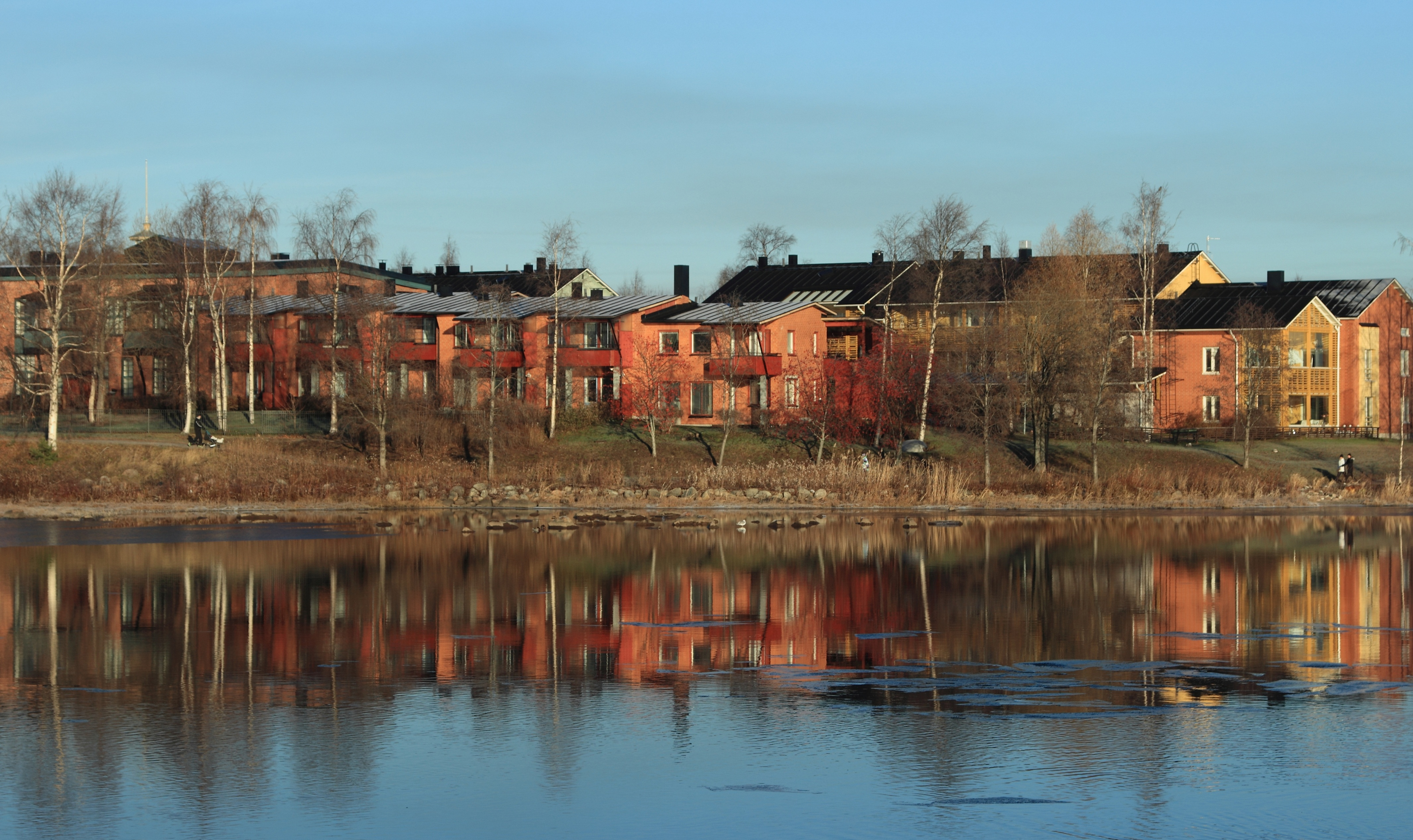 File:Pikisaari Oulu 20141101.JPG.