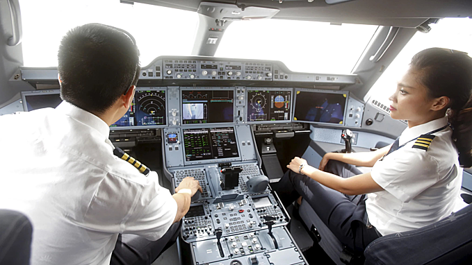 Vingroup opens admissions to aviation school.