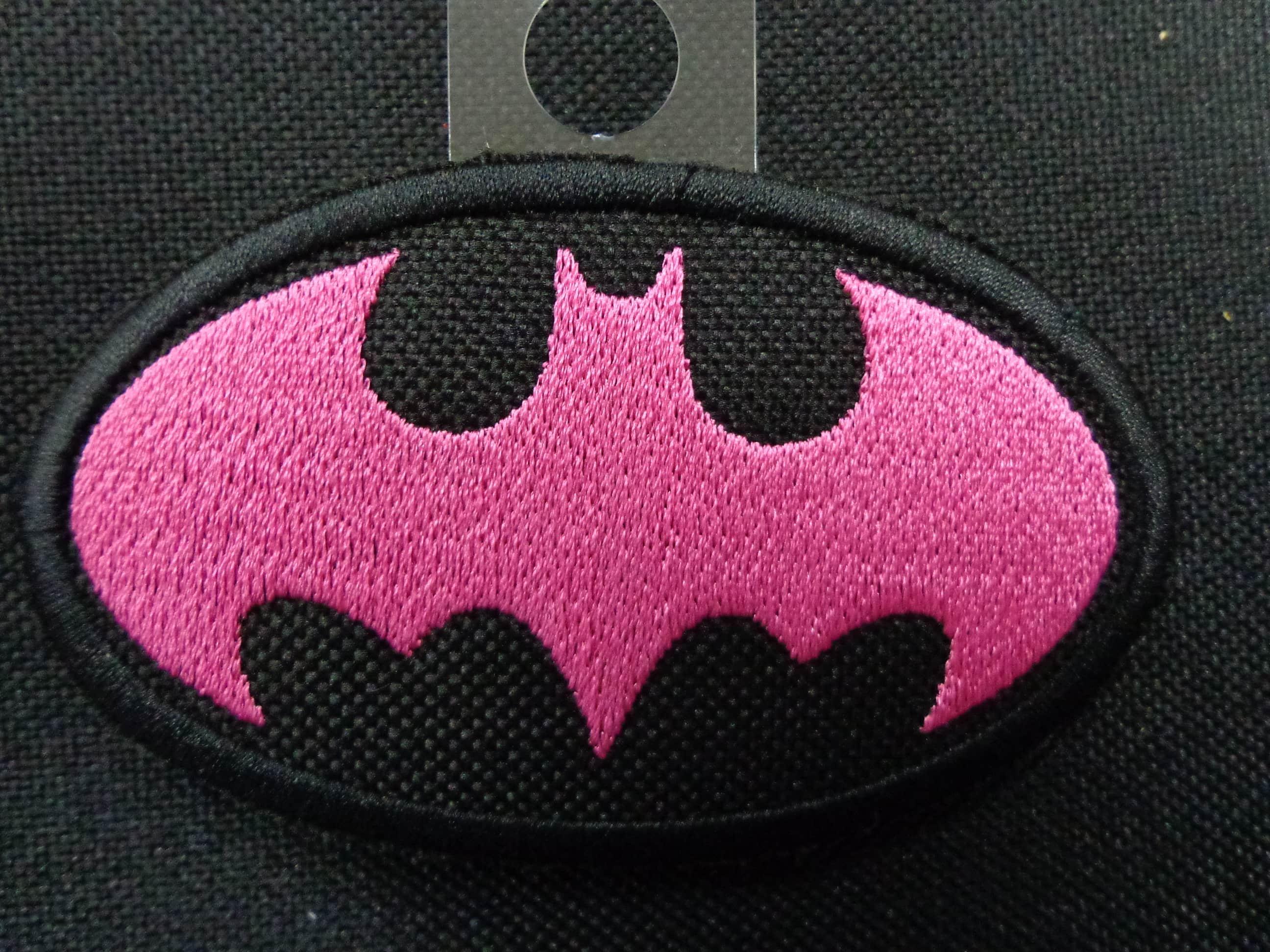 BATMAN LOGO PINK.