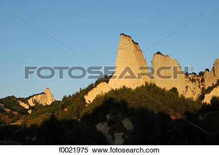 Stock Image of Bulgaria, around Melnik, Pirin Mountain f0021975.
