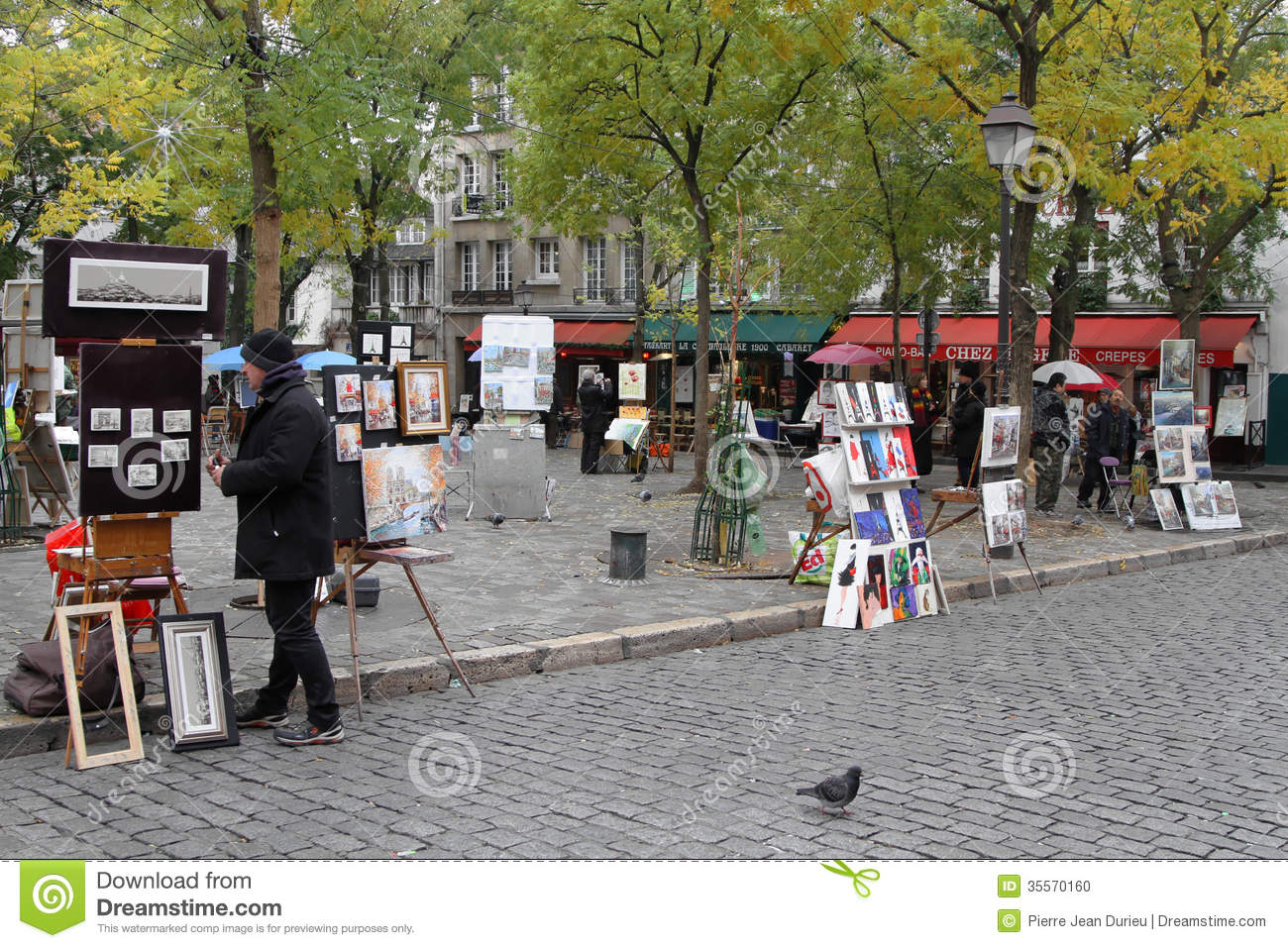 Artists On Place Du Tertre Editorial Image.