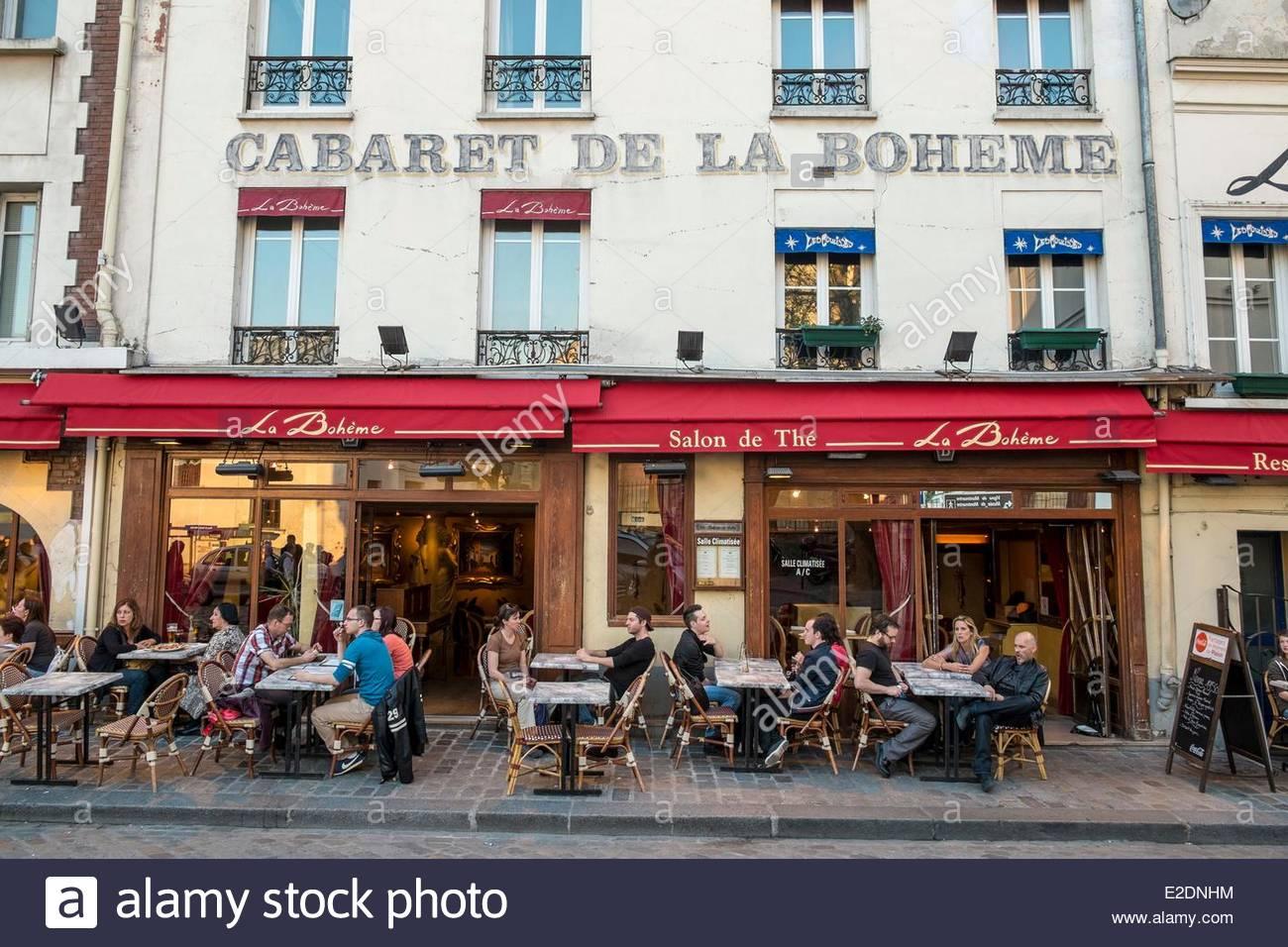 Cafe Square Montmartre Paris Stock Photos & Cafe Square Montmartre.