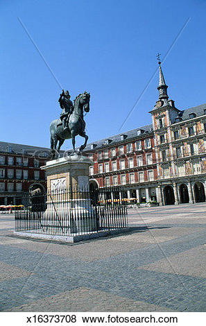 Pictures of Plaza Mayor with Statue of Felipe III x16373708.