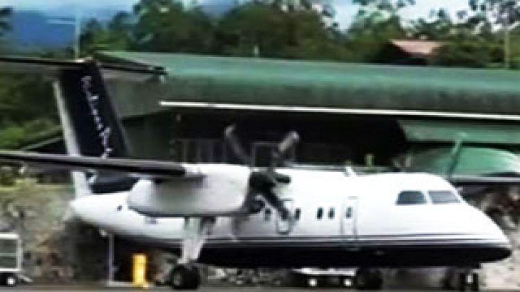 Aussie pilot survives PNG crash.