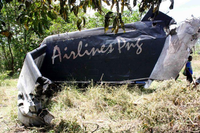 Plane crash survivors flown to PNG capital.