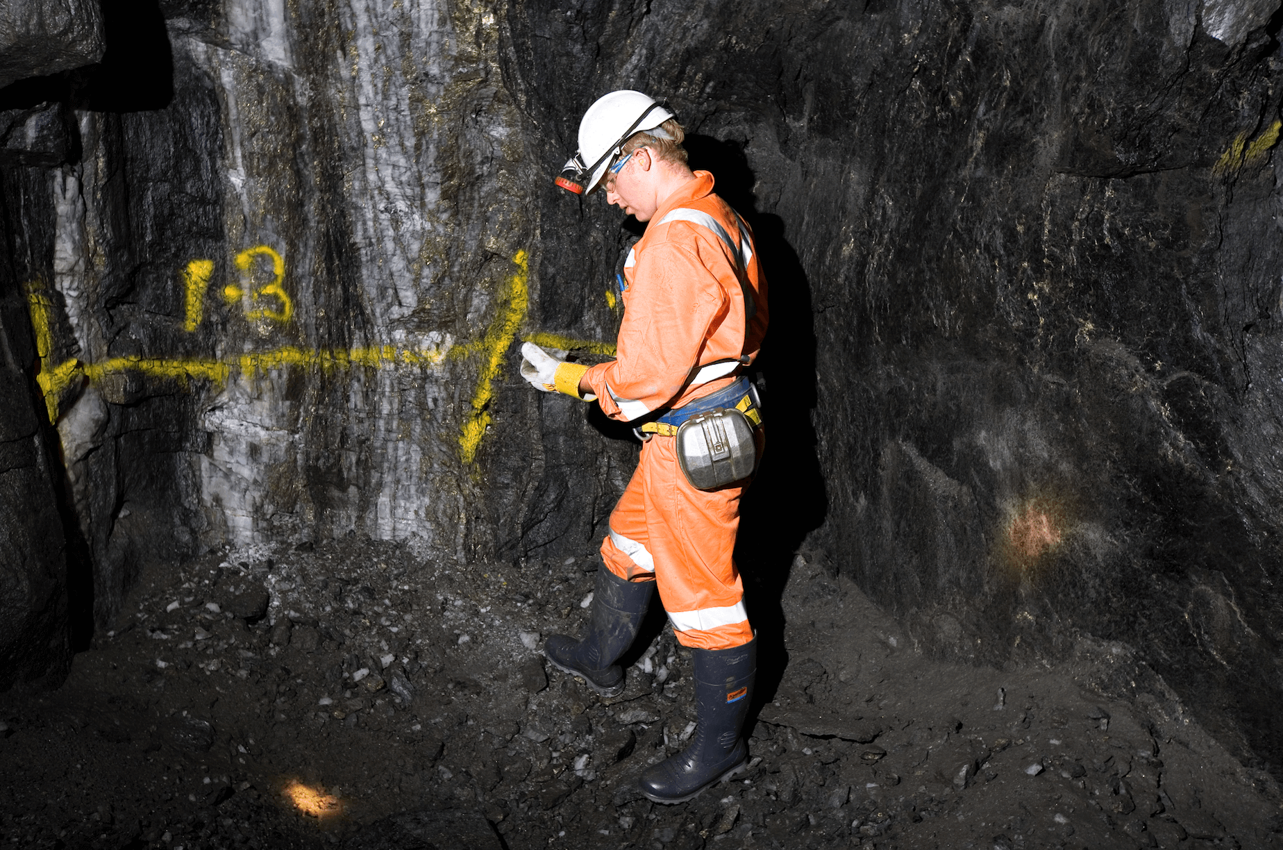 What are drilling jobs in mining paying right now?.