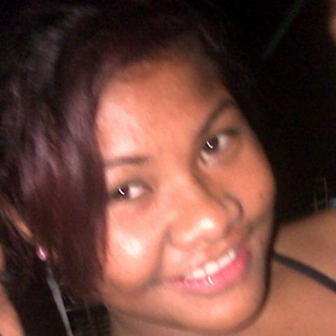 Meet AnzyDee, 21 (Papua New Guinea).