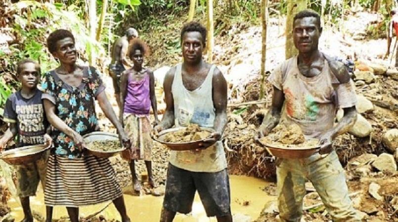 Bougainville\'s alluvial miners want licensed buyers.