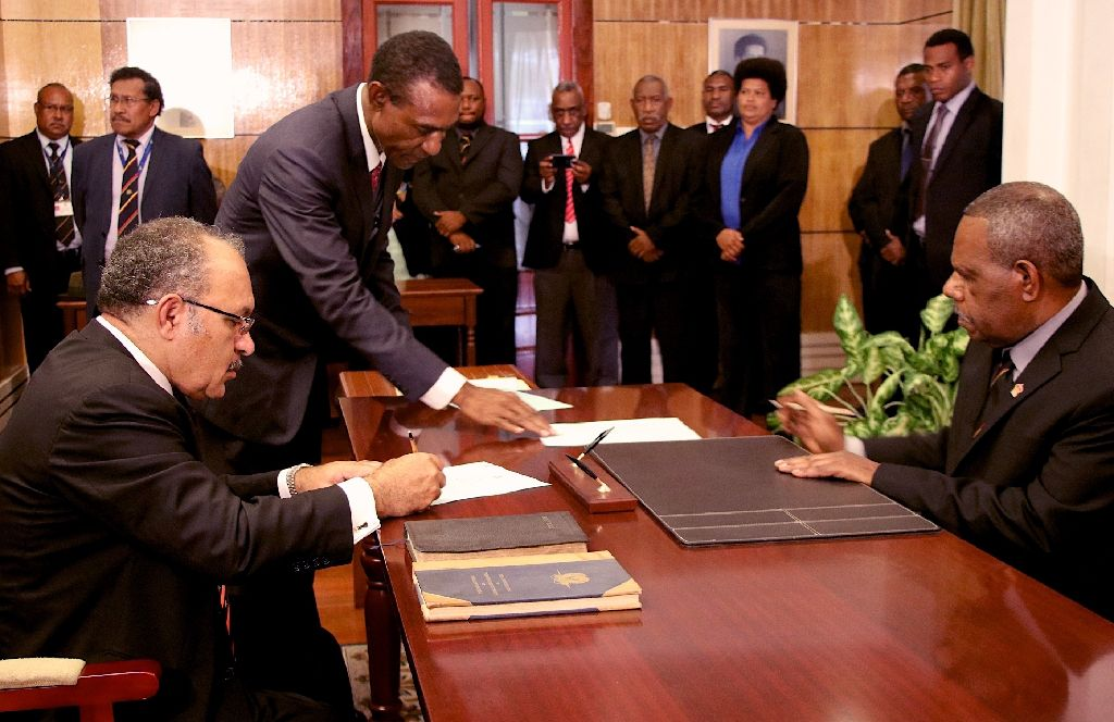 O\'Neill sworn in as PNG prime minister.