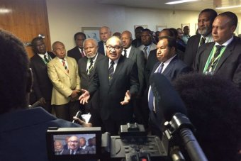 PNG Prime Minister Peter O\'Neill delays Opposition\'s no.
