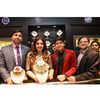 Actress Raveena Tandon inaugurates PNG Jewellers Silver.