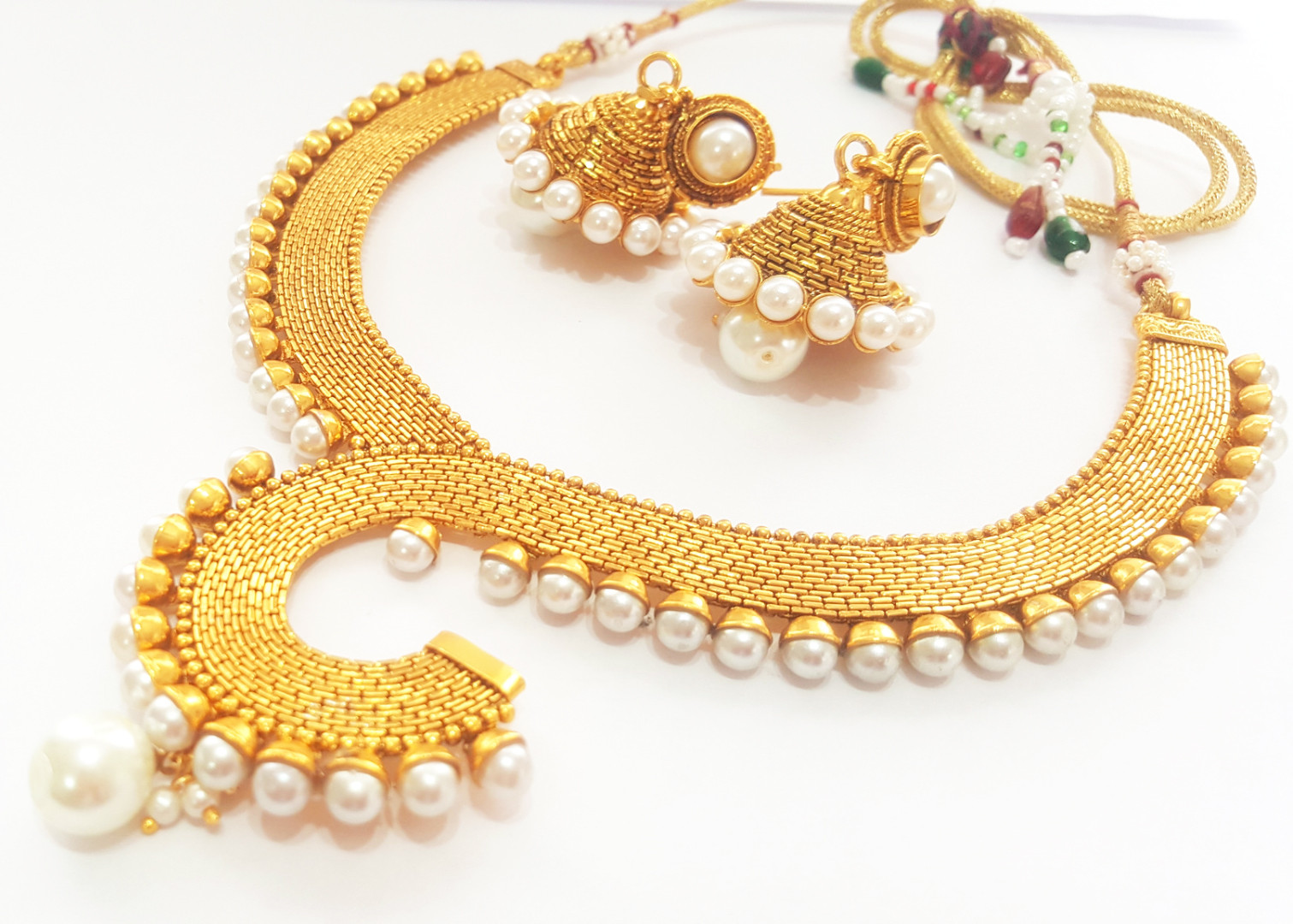 Tips to Maintain artificial jewellery in top form.
