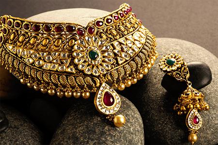 Gold, Silver, Diamond Buyers.