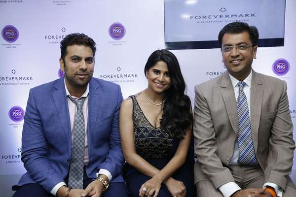 Forevermark partners with PNG Jewellers in Pune to launch.