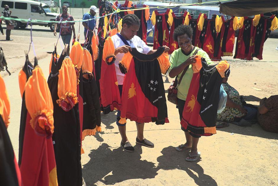PNG meri blouses at market.