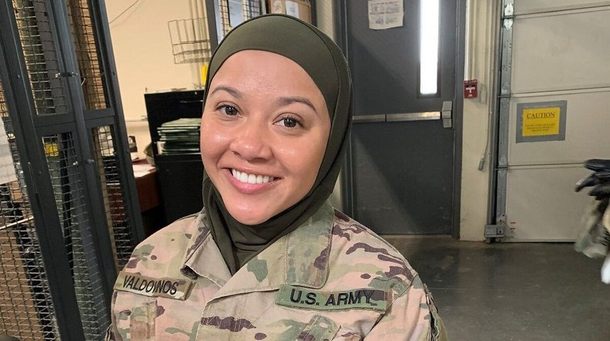 Muslim soldier demoted, planning to sue the Army after hijab.