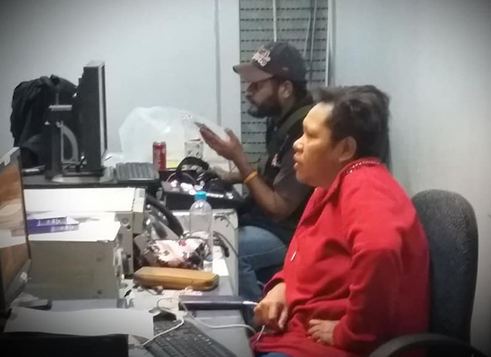 PNG: EMTV staff protest over sacking of \'flawless\' news.