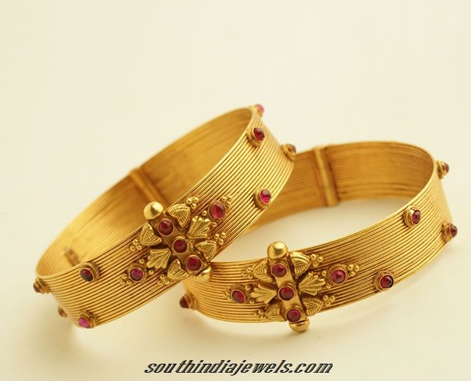 Latest gold bangles design from PNG Jewellers.