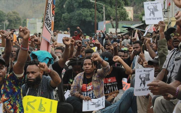 PNG urges UN visit to West Papua.