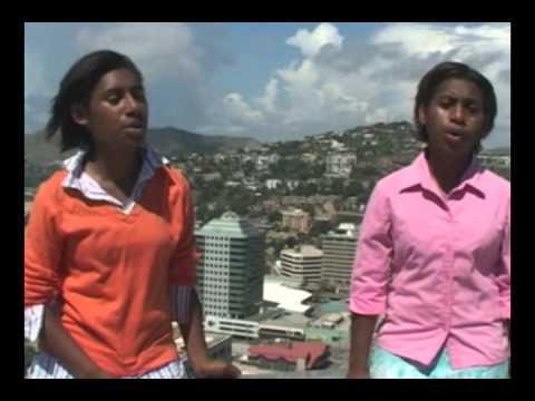 PAPUA NEW GUINEA GOSPEL SINGERS: EJ SISTERS.