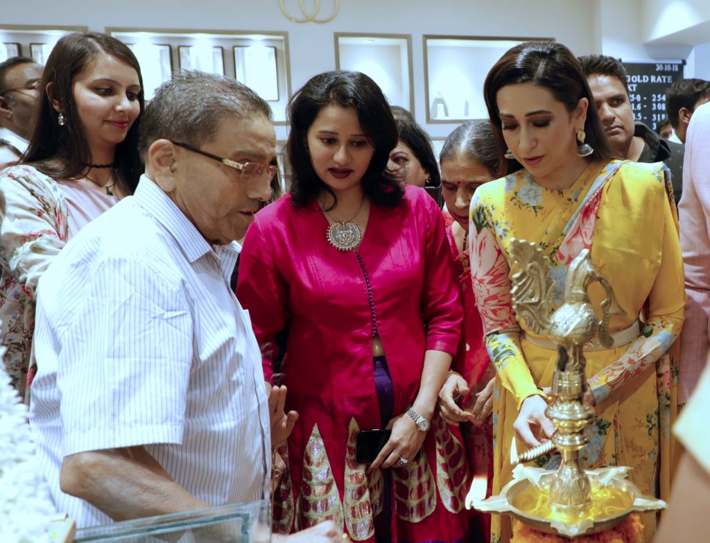 PNG Jewellers launches 2ndFranchise store in Pimple Saudagar.