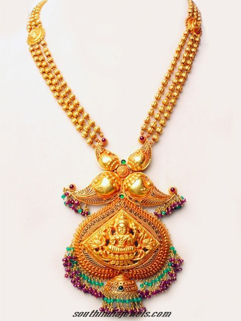 Antique gold temple jewellery necklace set.