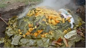 Open \'mumu\'. Papua New Guinea\'s traditional way of cooking.